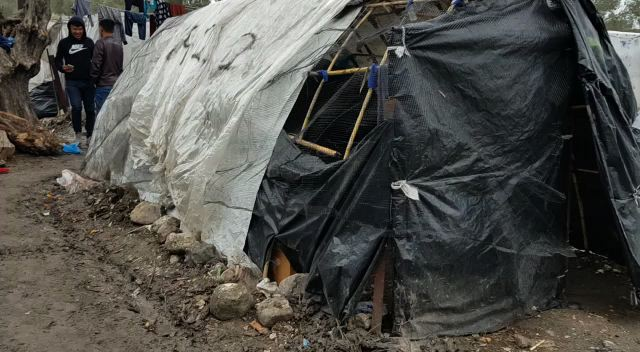 tents as houses in camp moria
